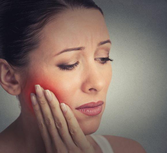 En cas d′abcès dentaire, contactez immédiatement votre dentiste