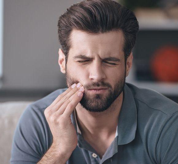 Consultez votre dentiste au plus vite en cas de rage de dent